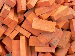 Керамический кирпич – материал для строительства, а также наружной отделки дома