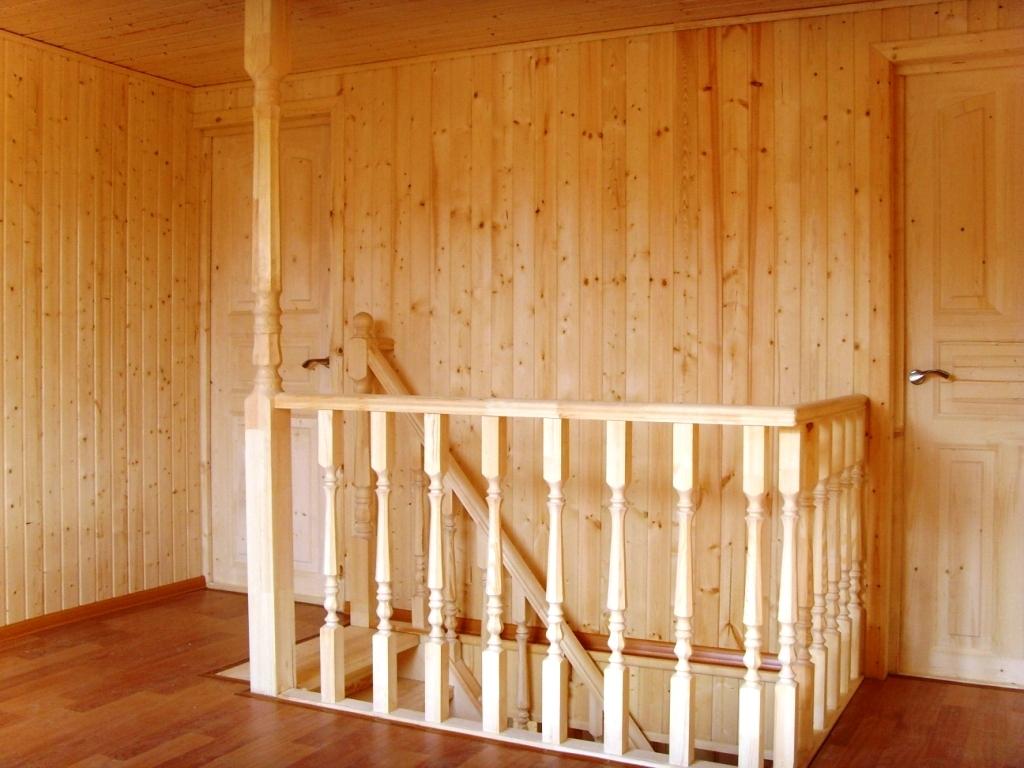 Отделка стен древесиной и покрасочные работы
