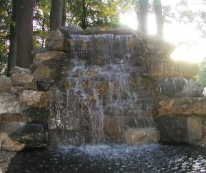 Насосы для фонтана и водопада: правила подбора агрегата