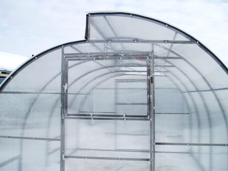 Строительство теплицы на даче