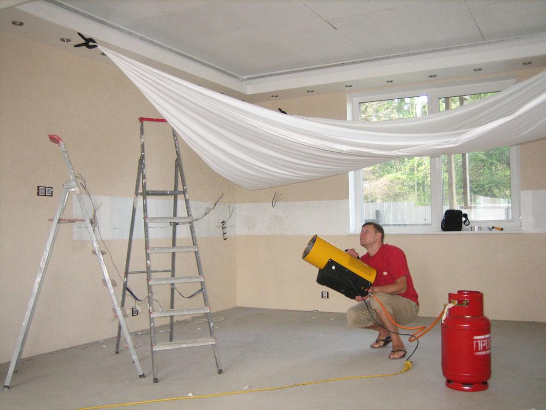 Фото как установить натяжной потолок своими руками