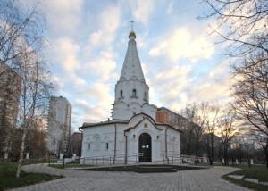 В 2014 в Москве запланировано завершение строительства 15 новых храмовых комплексов