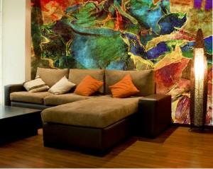 многоцветная декоративная отделка стен внутри помещения