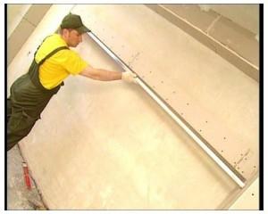 выравнивание стен монтажной пеной