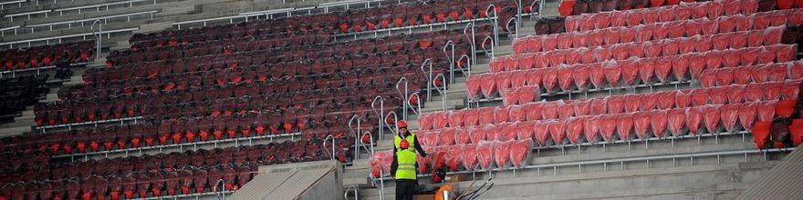 Завершение монтажа кресел на строящемся стадионе «Спартак»