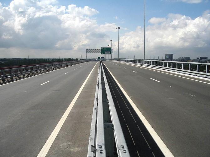 Три триллиона рублей обещают выделить власти Москвы на улучшение транспортной магистрали в Москве