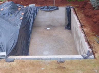 самостойтельная постройка бассейна