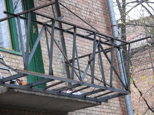 Профессиональный вынос балкона