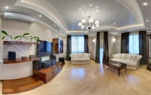 Оформление дизайна натяжного потолка в гостиной
