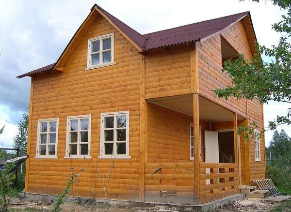 Услуги строительства деревянного дома из бруса