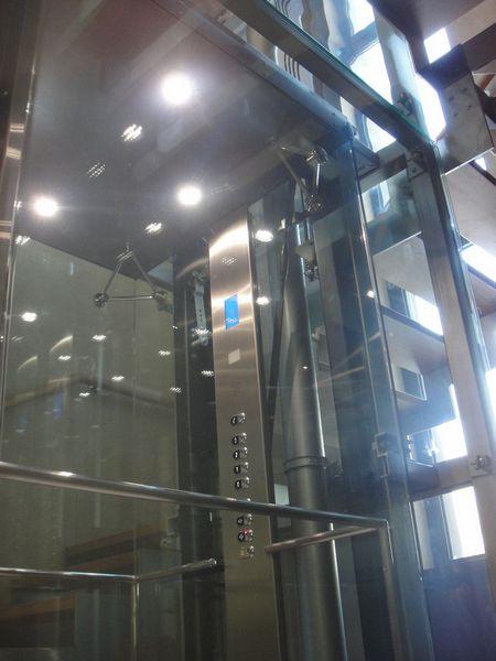 kak vybrat stekljannyj lift dlja dachi 1