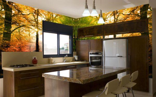 Кухня в осеннем оформлении