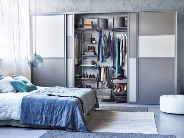 Удобный шкаф для гостиной  или спальни