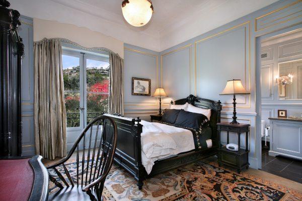 Кровати в классическом интерьере